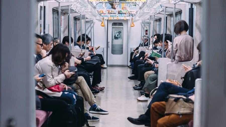 Come comportarsi in metropolitana in Giappone