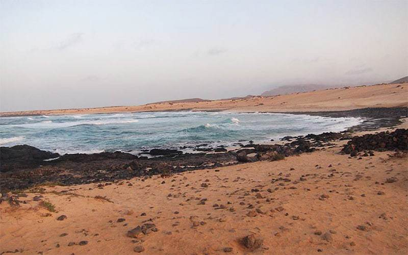 Playa Lambra, perfetta per i surfisti a la Graciosa, Canarie